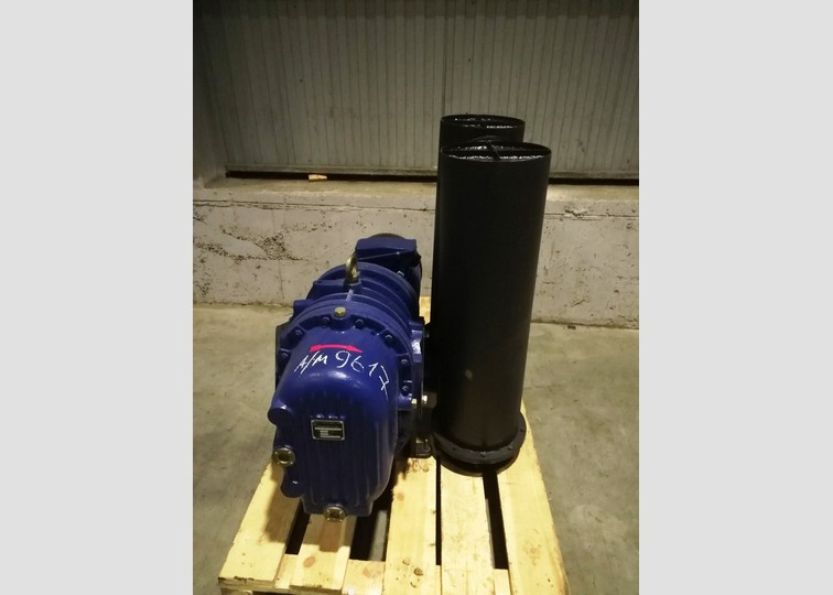 Air compressor with soft starter